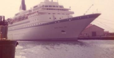 Royal Viking Sky April 29, 1976 in Aruba