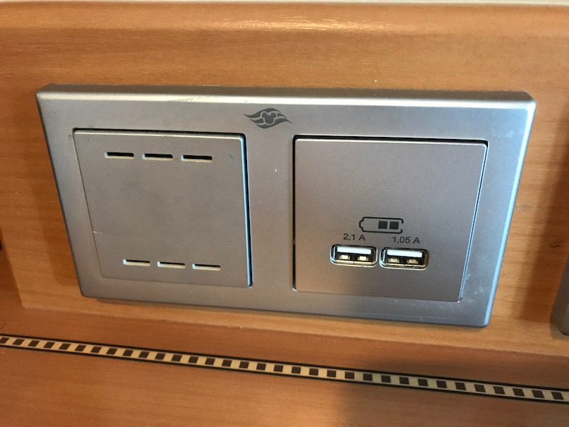 USB Charging Plug - Disney Cruise